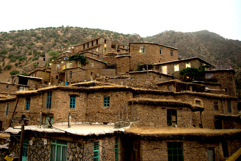 建築家のいない建築。イラン・石の家と土の家|ナチュラルビルディング×暮らし