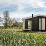 自然の中で自分を取り戻す。プレハブ式のシンプルな小屋「Ark Shelter」