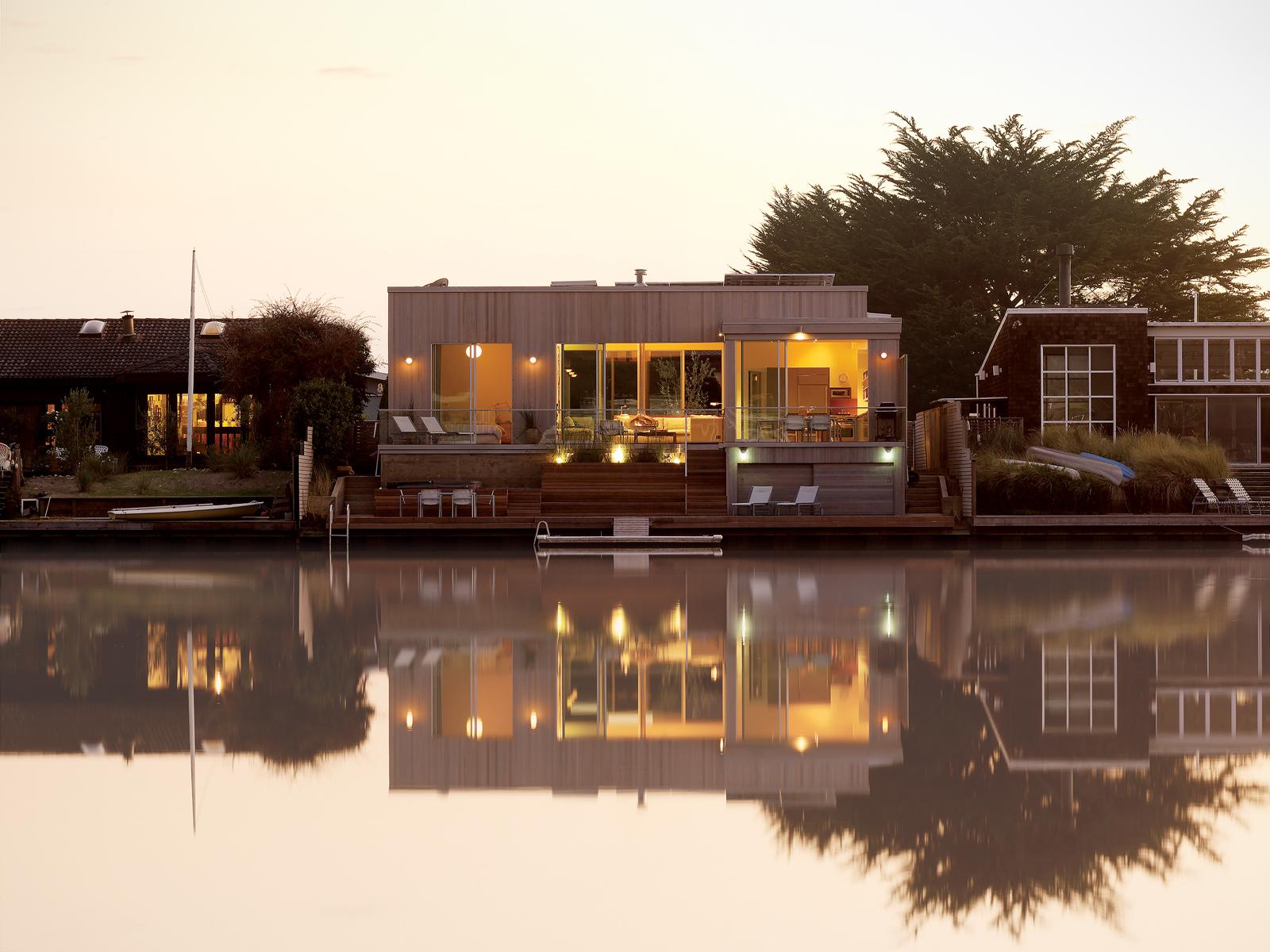 豊かな自然と寄り添う暮らしを叶える家「The Green Lagoon」