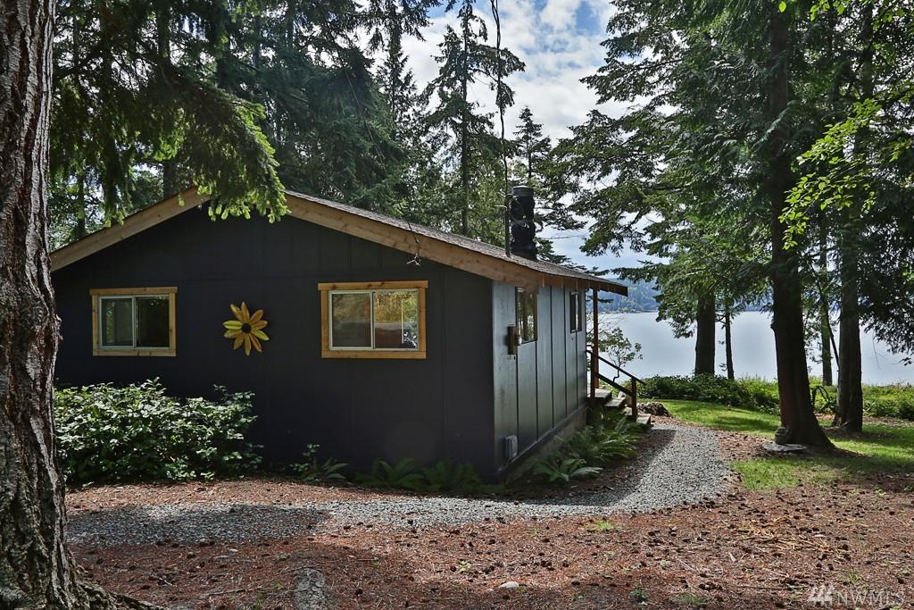 自然豊かな海辺のデッキでのんびり過ごす。くつろぎのキャビン「Langley Cabin」