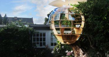 キュートなふりして、実は頑丈。りんごのツリーハウス「apple headquarter treehouse」