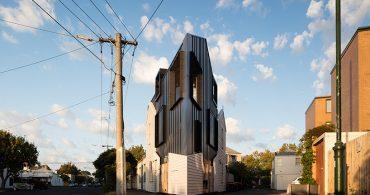 スモールハウスは工夫次第。家族で暮らせるメルボルンの狭小住宅