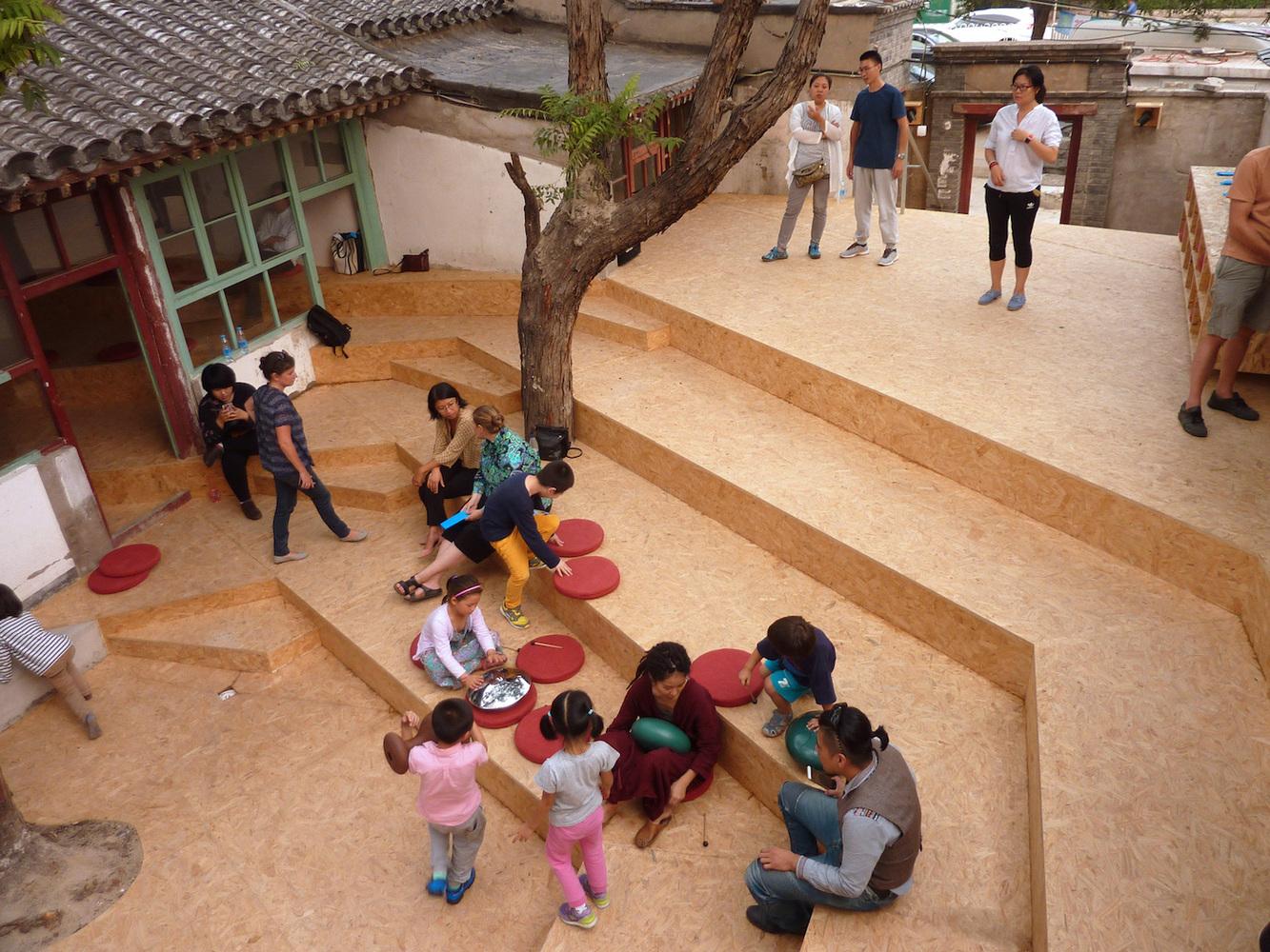 中国の伝統的な庭が映画館に。コミュニティを重視したオープンスペース