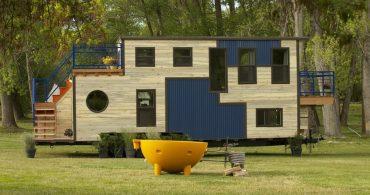 趣味のアウトドアを楽しみながら暮らす。移動型ロッジ「mobile ski lodge」