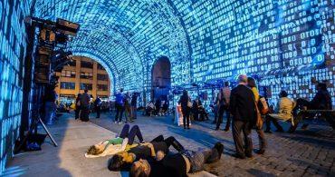 荒廃したブルックリンをリノベーション!? きっかけは伝説のアートイベントだった
