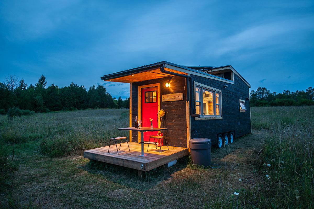 寒さの厳しい冬も快適に。カナダで開発されたオフグリッドタイニーハウス