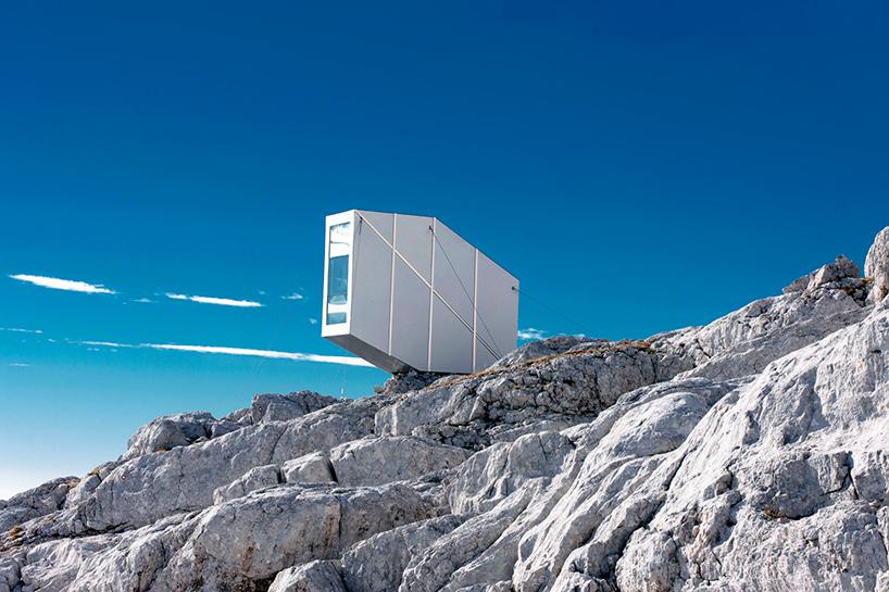 シンプルな美。厳しい自然環境でサバイブするためにつくられた山小屋