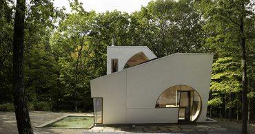 空間を探求したらこうなった。立方体と球体が組み合わさったコンパクトな家