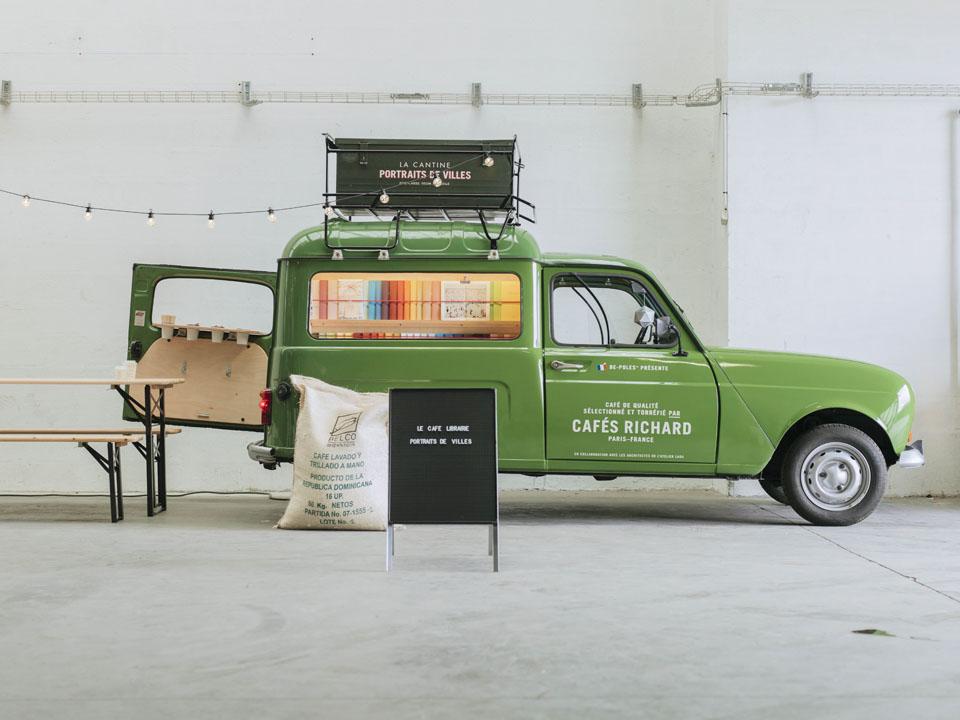 至高のコーヒーと読書で贅沢なひとときを。フランスのフードトラックが素敵すぎる