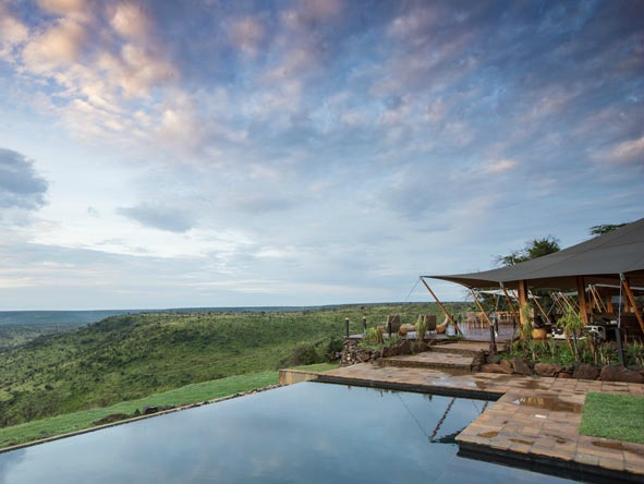天と地の間。ケニアの雄大な自然に溶け合う「The Loisaba Tented Camp」