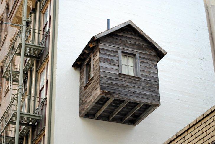 ビルの壁に小屋!? サンフランシスコの高層ビルを開拓する「The Manifest Destiny!」