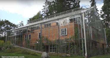 グリーンハウスへようこそ。ストックホルムのエコロジカルな温室の家