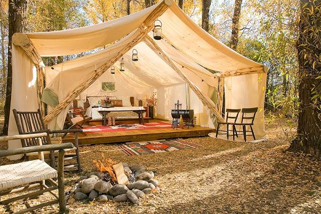 床暖房も専任執事も付いている!贅沢に自然を楽しむグランピング・テント