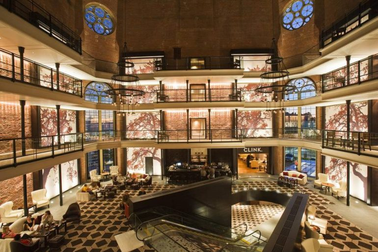 元刑務所がホテルに変身。負の歴史をもつ建物を美しくリノベーションした「The Liberty Hotel」