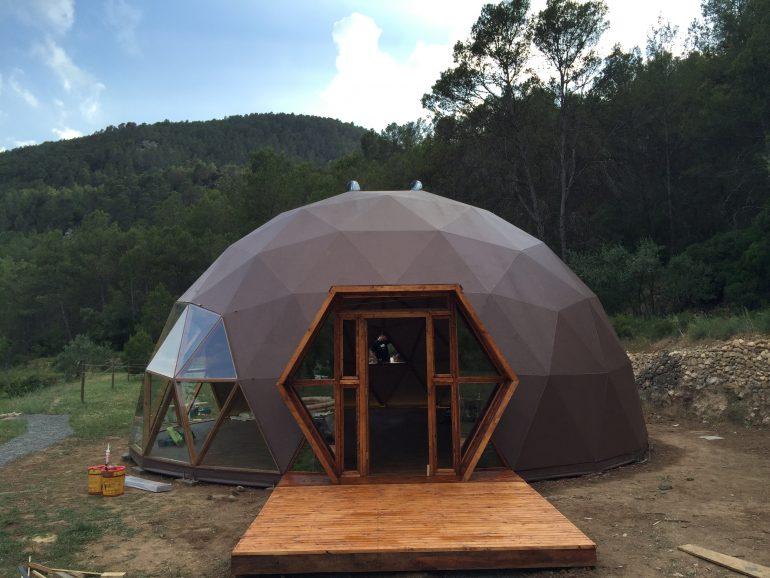 ドーム愛は続くよ。Domos Geodesicosのフラードーム・プロジェクト