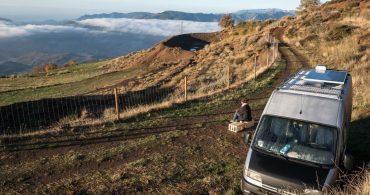 青果品輸送車からモバイルホームへ。旅をしながら暮らしたハンガリーのカップル