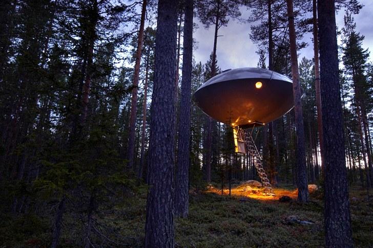 未知との遭遇!? スウェーデンの森に降り立った「UFOホテル」