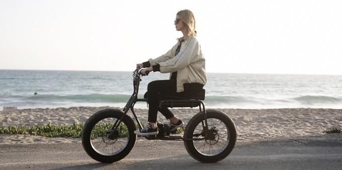 70年代ヴィンテージデザインが光る。エコな電動バイク「The Super 73」