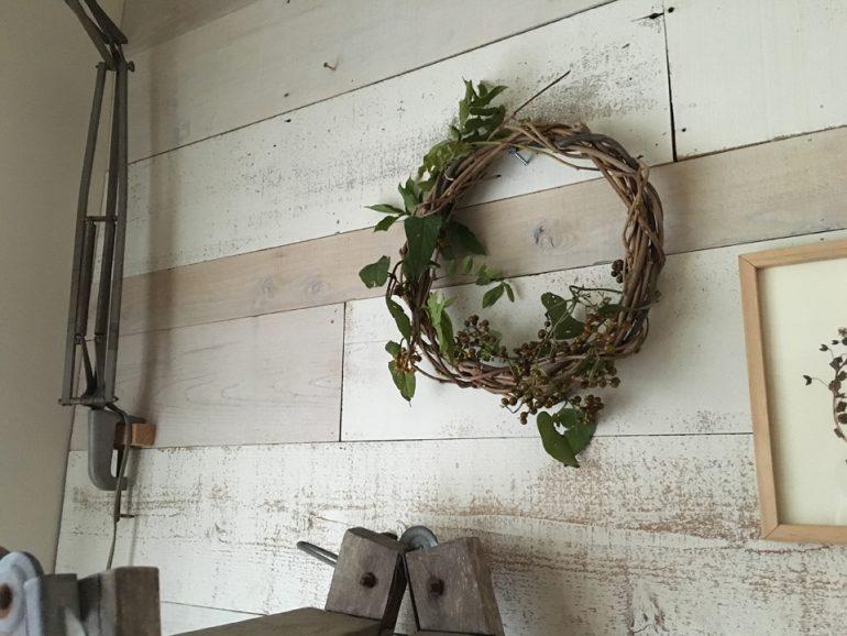#47 里山団地の暮らしの彩り。身近な植物でリース作り。|YADOKARI✕公社二宮団地