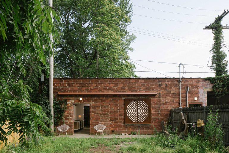 ニューヨークで発見。約100年の歴史あるガレージをリノベーション