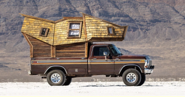 材料はすべて拾ってきた!? 自分好みのモバイルハウス「The Truck Cabin」