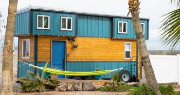 低予算、4人家族。モバイルハウスで自由な暮らしを「Blue Baloo Tiny House」