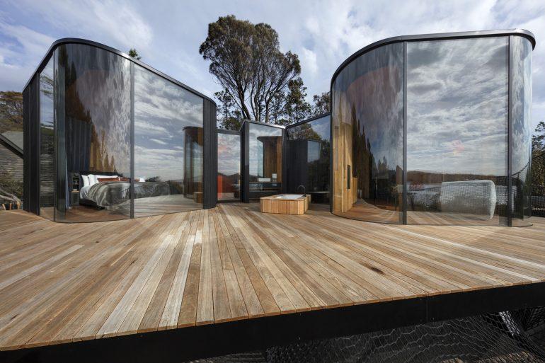 木製かつモダン。タスマニアのスモールキャビン「Freycinet Lodge」
