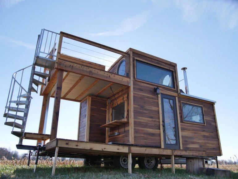フクロウ大工は天然木がお好き。アメリカのカントリーな移動小屋