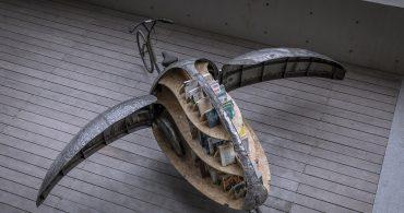 自転車の墓場から羽ばたいたテントウムシ。中国の移動式マイクロ図書館