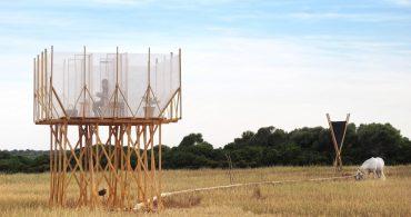 """大麦畑で自分を""""整える""""。マヨルカ島の高床ルーム「Grooming Retreat」"""