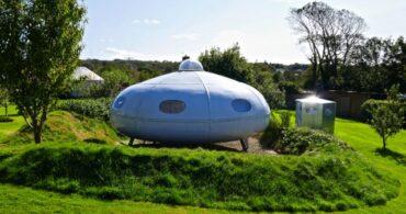 UFOで宿泊!?「The UFO」