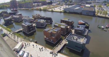 世界が注目する、オランダのサステナブルな水上ハウス