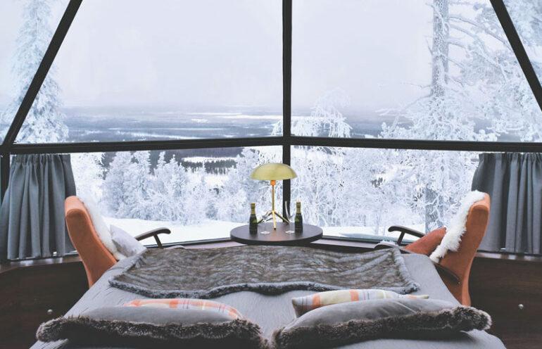 オーロラの下で眠る魔法の夜。フィンランドのガラスのホテル「レビン・イグルート」